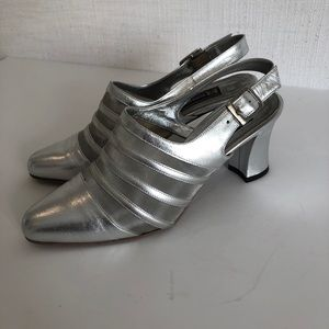 Roberto Capucci - Woman's size 8 - silver shoes